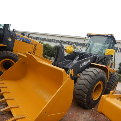 1 Unit Of XCMG Wheel Loader LW500FN Dismantled Into Container Sent To Southeastern Asia