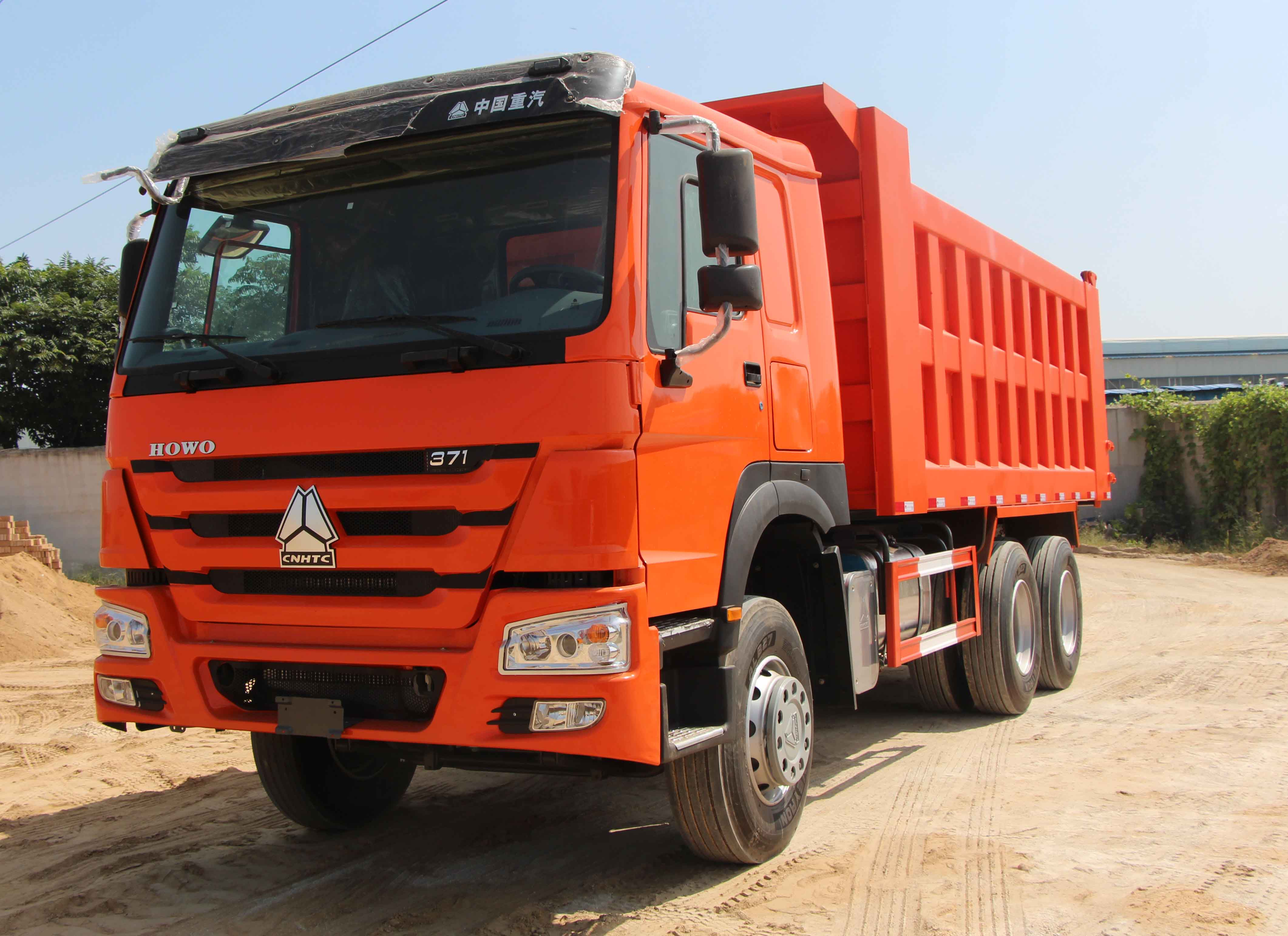 2 Sets of Refurbished Sinotruk HOWO Dump Truck to Asia