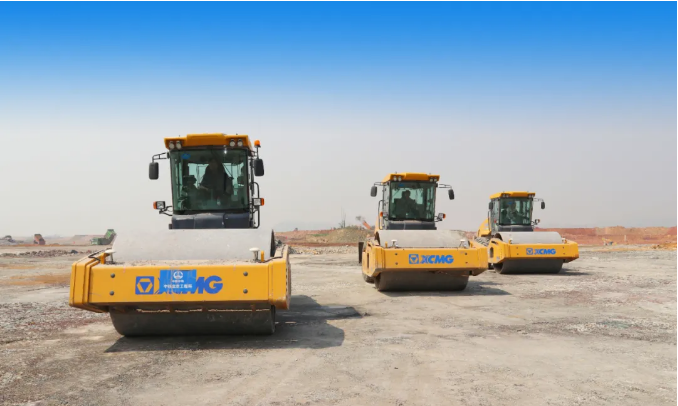 XCMG Large-tonnage Road Roller Is Amazing!